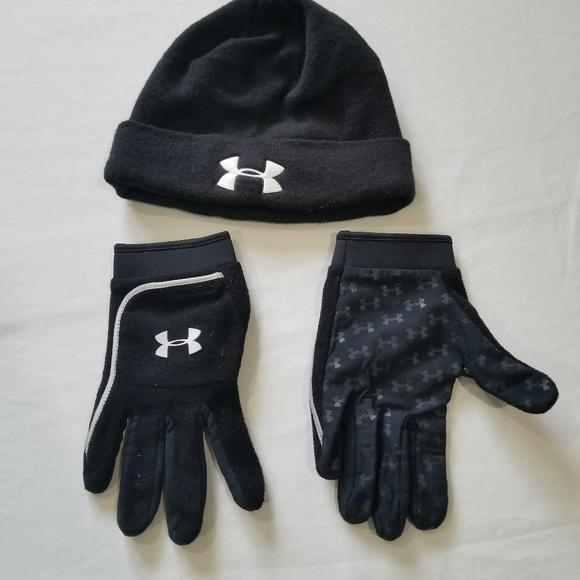 Under Armor hat and gloves set. M 5adb799931a376ff520ffe60 0530a05e400